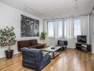 PENTHOUSE 2BR SLEEPS 6 SAFEST IN AMSTERDAM including parking spot