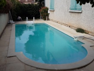 Apartment with 2 rooms in La Garde, with pool access, enclosed garden and WiFi