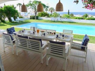 Villa avec vue mer, piscine eau salée et chauffée, 5 minutes à pied des plages