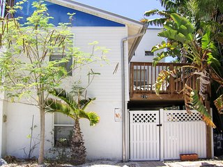 New property on TripAdvisor - Special Sale - close to beach and Times Square