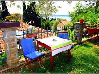 VP3 Garden View Holiday Room with Private Bathroom