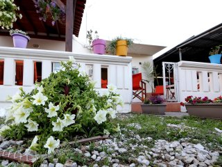 Lovely Home with large Verandas in Countryside