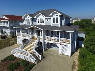 Marguerite DeVille- 8 Bedroom Oceanside Home w/ 1 Day of Free H2OBX Tickets