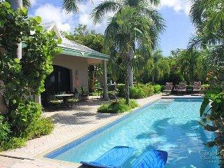 Tennis Villa plus Cottage