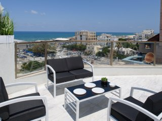 BEACH VIEW APARTMENT PENTHOUSE