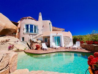 VILLA REPARATA-5BR w/pool-walk2Beach by KlabHouse
