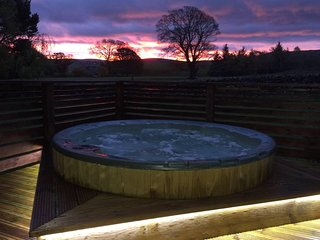 Private Sunken Outdoor Hot Tub with views for you to enjoy.