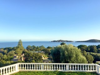 Luxurious house w/ sea views & WiFi