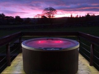 Curlew Lodge - Luxury Log Cabin, National Park, views, private grounds & Hot Tub