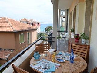 Bilocale a 50mt dal mare con terrazzo a Borgio