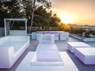 1038 Magnifica villa con espectaculares vistas al mar