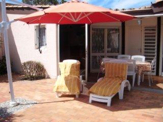 Seaside house w/ furnished terrace