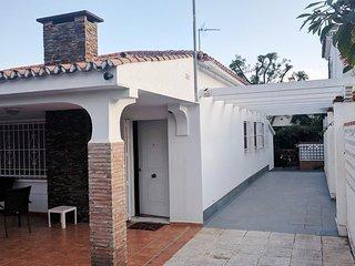 Casa La Fuente, 6 personas, 3 dormitorios, Aire acondicionado, parking Playa BBQ