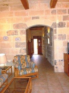 GUNO holiday house hallway