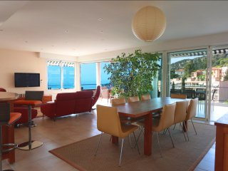 3 bedrooms apartment 40 sqm panoramic sea view terrace nearby Institut francais
