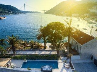 Luxury Villa Monte with Private Pool