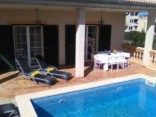 Bonita casa a tan solo 3 kms. de Cala Millor; Apta para 8 personas, piscina y ba