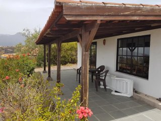 Nice villa with pool access & Wifi