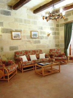 GIDI holiday house sitting area