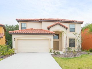 6Bed 5.5Bath Spacious and airy, grand and impressive home !!!
