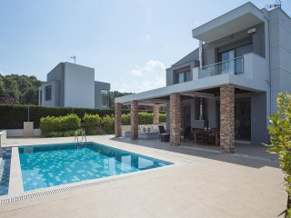 Sani, Muretz || Pool House