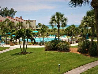 WOW Factor Siesta Key Beach Gulf Front Condo in Siesta Dunes on #1 Beach in USA