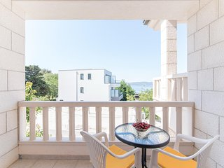 Studio Apartment Brela - Studio Apartment with Balcony and Sea View