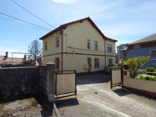 Casa junto a Santander, 4 hab, 8 pax. Parking y jardin privado