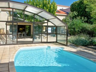 Charming and spacious marseillan harbour apartment with shared garden and pool