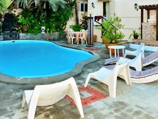 Two-bedroom flat with pool, WiFi