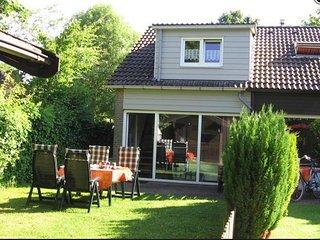 Beautiful holiday house by grevelinger meer, near the beach!
