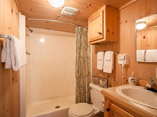 Beautiful Cabin sleeps 8