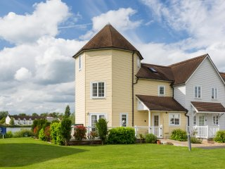 Cotswold Water Park Retreat - 3 bedroom house