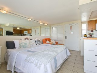 Diamond Head Beach Hotel & Residences #1105 - Studio/1BA, Full Kitchen, Balcony