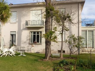 Studio in Cannes, with enclosed garden and WiFi - 200 m from the beach