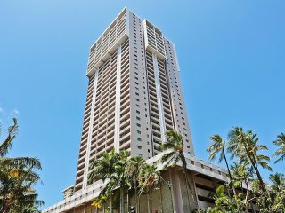 Royal Kuhio #3802 - 3 Bedroom, 2 Level Penthouse - Sleeps 12
