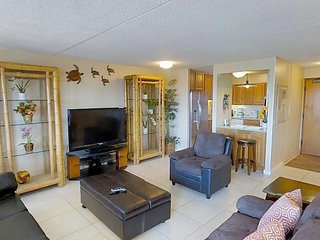 Royal Kuhio #3506 - 2 Bedroom, 2 Bath, Free Parking and Ocean Views