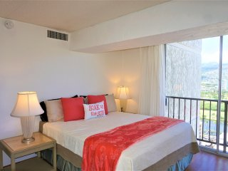 Inspiring  3-Bedroom, 1-Free Parking, Ocean View Sleeps 8 Washer/Dryer in condo!