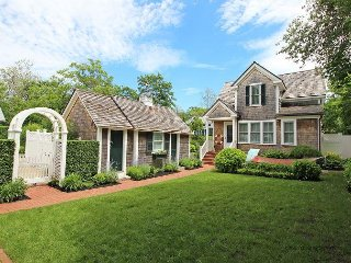 Beautiful in-town Edgartown Home with Carriage House