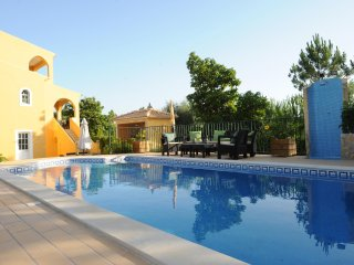 Casa do Cedro Vilamoura private Pool ( Heated) golf nearby.