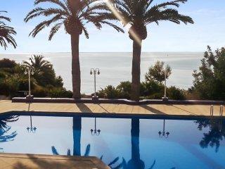 Luxury flat 20m from the beach