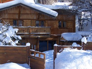 Chalet with 5 rooms in Mont-de-Lans, with terrace and WiFi