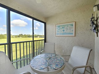 NEW! Prime 2BR Fort Myers Condo w/Resort Amenities