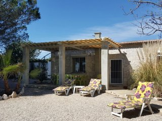 In Benicarlo, family-friendly holiday house with sea view, garden and pool