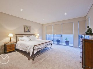 Fremantle luxury king suite with private ensuite, kitchen and lounge