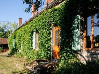 Large house w/ garden & WiFi