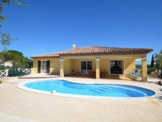 Villa in Le Luc with pool for 8 !