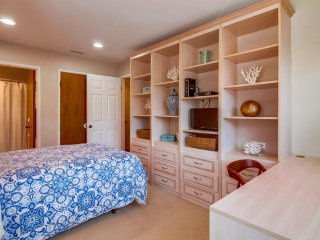 GREAT LOCATION in Coronado Village. All new furnishing..1,300 sq.ft. Townhouse