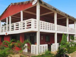 Beachside apartment w/terrace