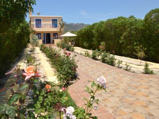Relax and Comfort Family Villa, 4 bedrooms near the sea